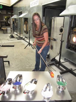Rolling the hot glass